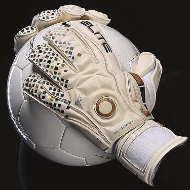 Профессиональные вратарские перчатки Elite Real 2018